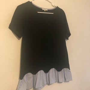 Pleione Short Sleeve Scallop Top